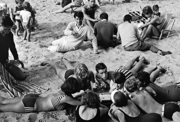 Gli anni Settanta con i primi mangiadischi sulle spiagge italiane
