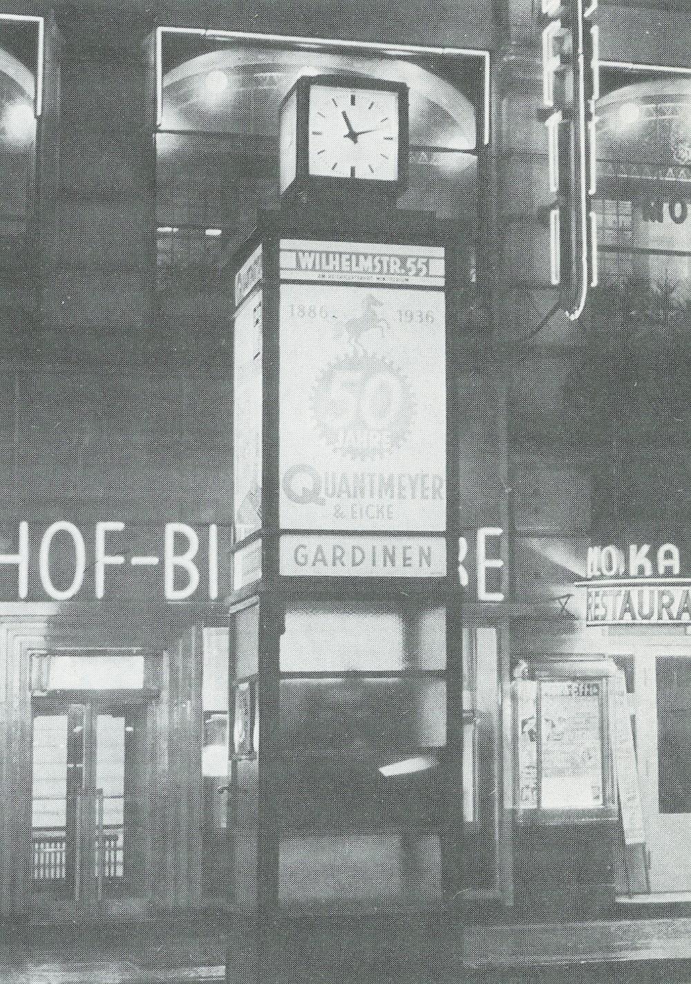 Berlino, tipologia di colonna orologio in funzione fino agli anni Sessanta del '900