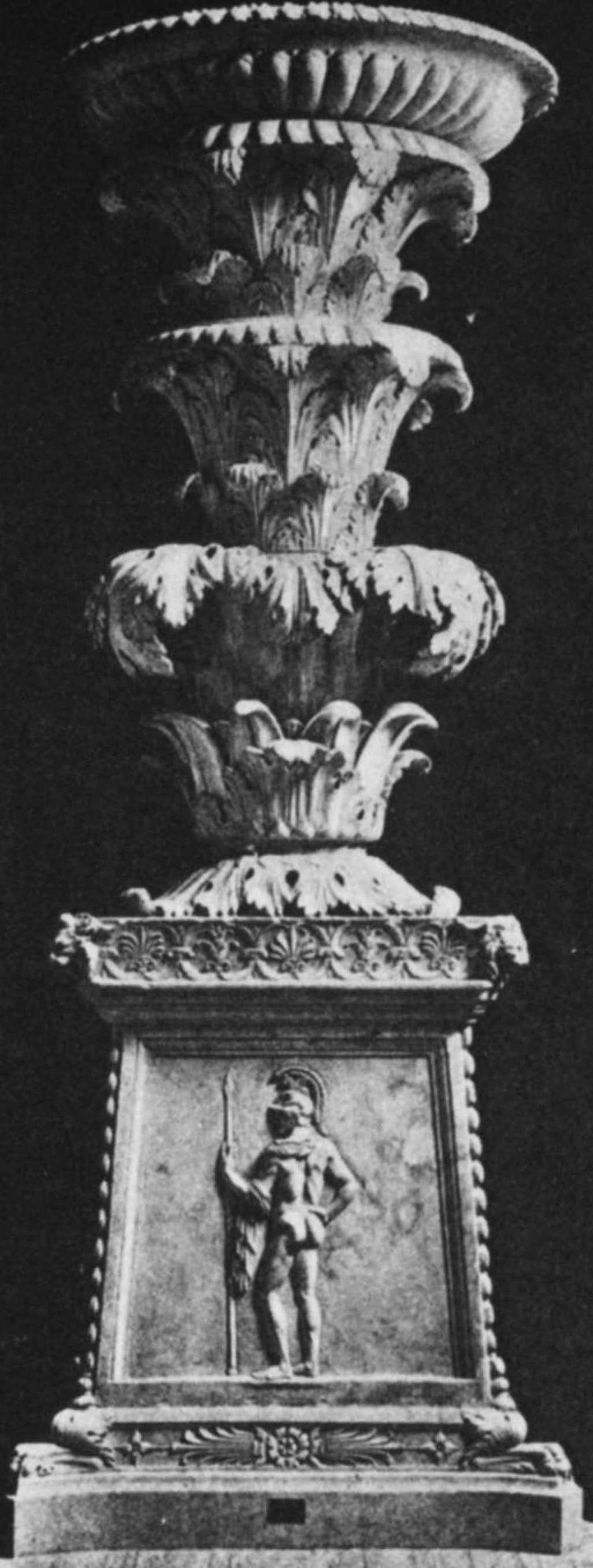 Roma, Musei Vaticani, candelabro Barberini