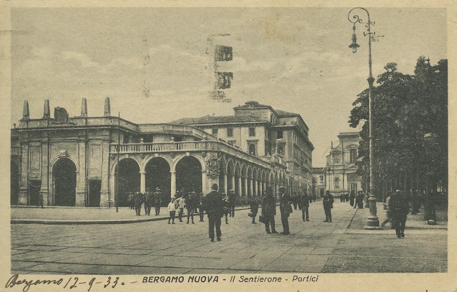 Bergamo, Sentierone e portici, cartolina storica, 1933