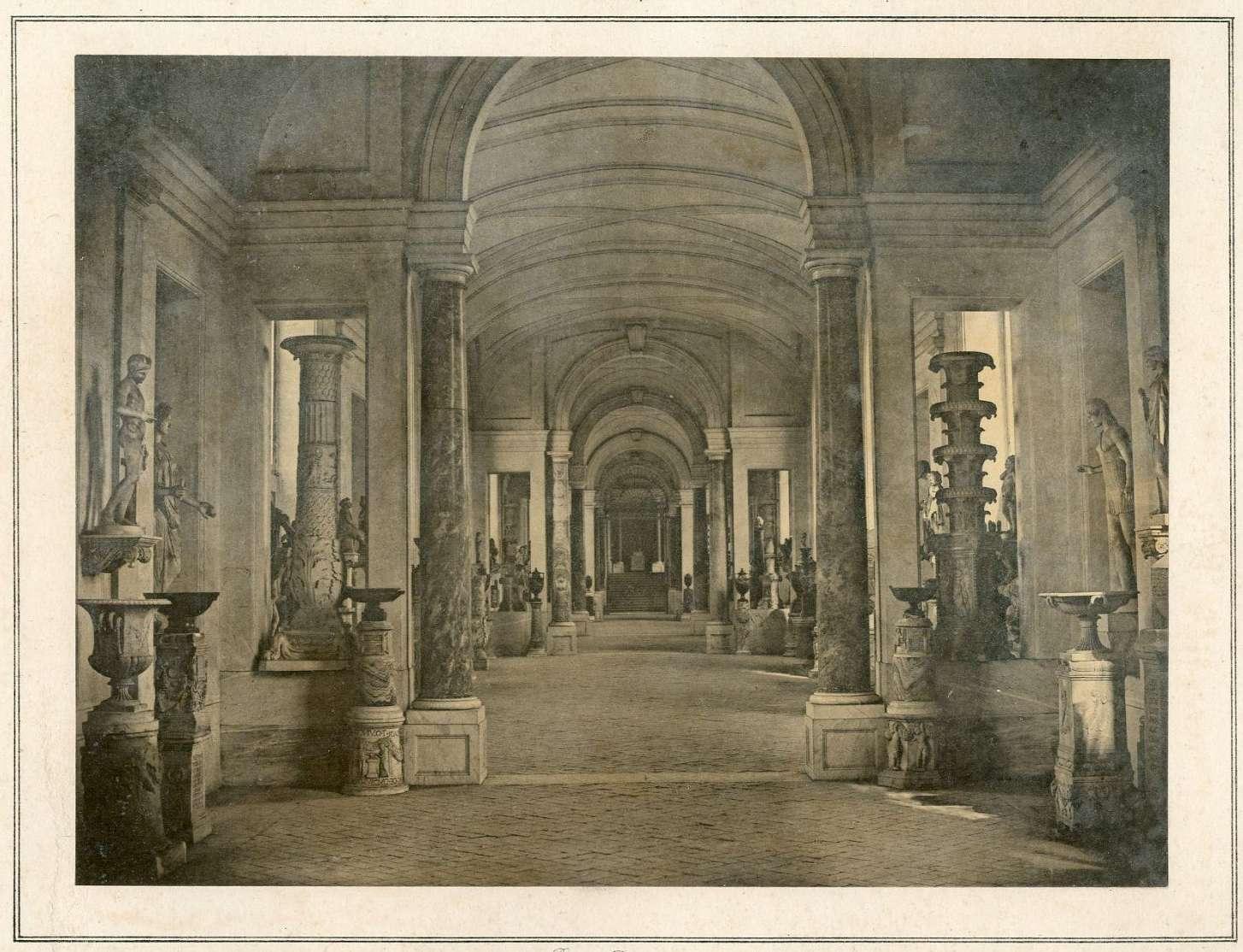 Roma, Musei Vaticani, La  Galleria dei Candelabri in una stampa d'epoca