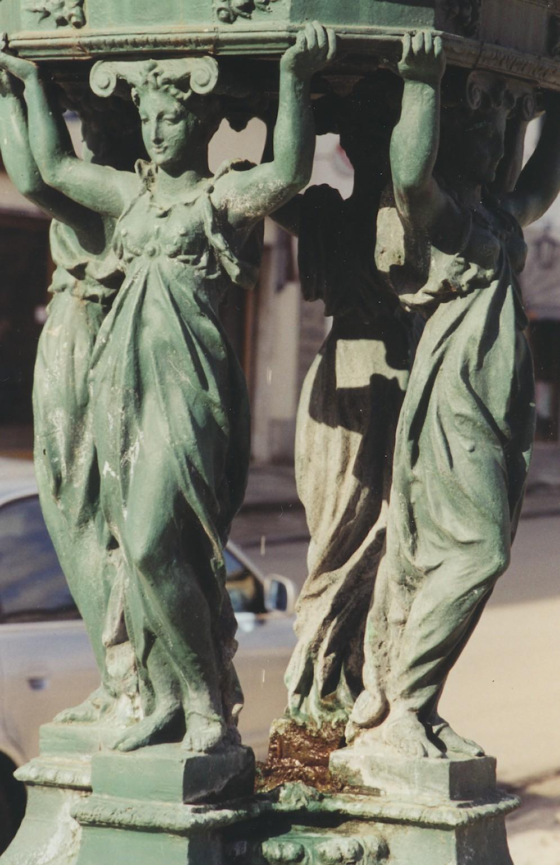 Pontremoli, dettaglio della fontana Wallace