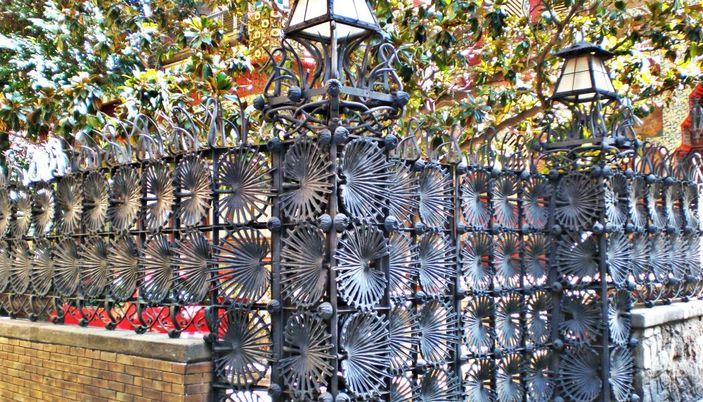 Il cancello monumentale in ferro battuto