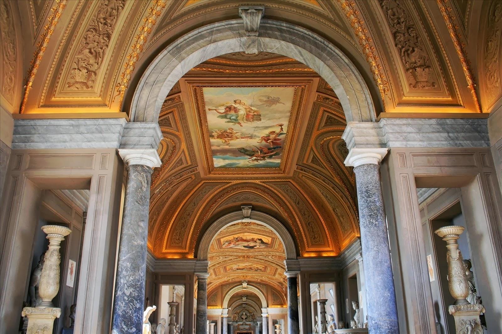 Roma, Musei Vaticani, Galleria dei Candelabri restaurata