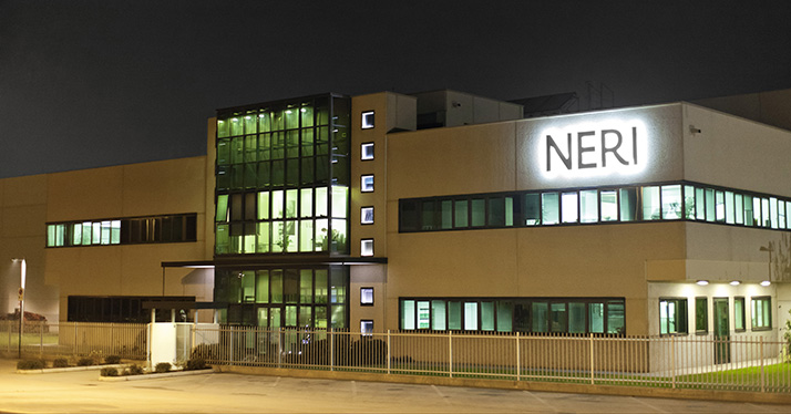 Neri illuminazione arredo design citt for Alfredo irollo arredo urbano e illuminazione